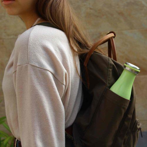 pastel thermos dans un sac