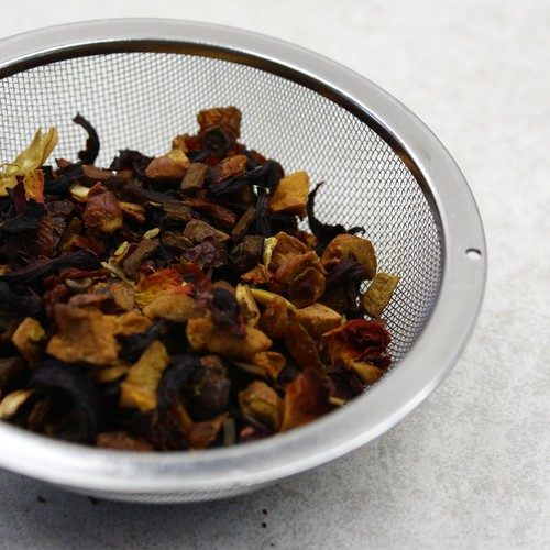 grand infuseur à thé rempli